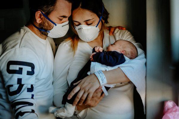 Partorire ai tempi del Coronavirus: la nostra testimonianza (foto)